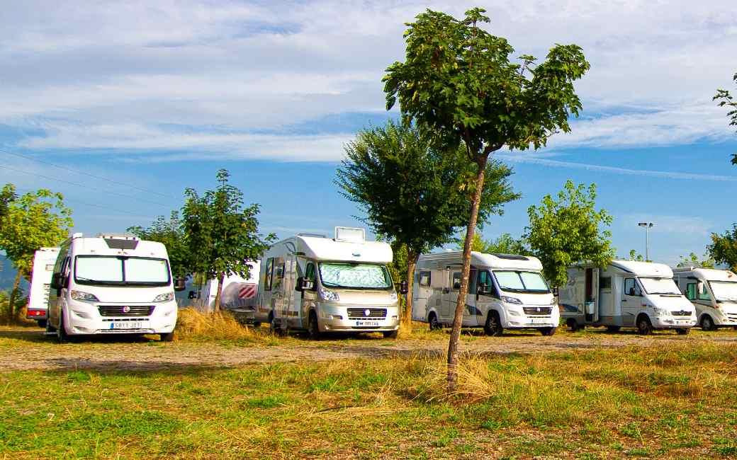 Vrij kamperen met campers en kampeerwagens wordt gereguleerd in Aragón