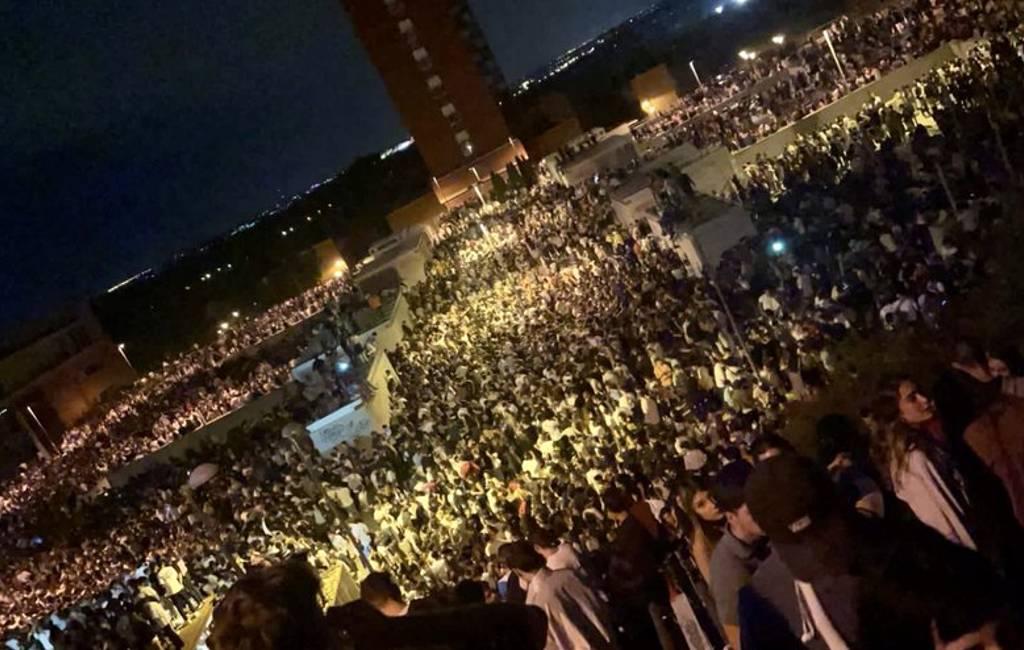 Meer dan 25.000 en 8.000 jongeren bijeen bij macrobotellones in Madrid en Barcelona