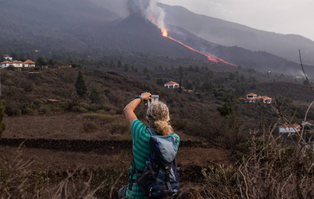 Op excursie vanaf Tenerife naar rampgebied La Palma om vulkaan te bekijken