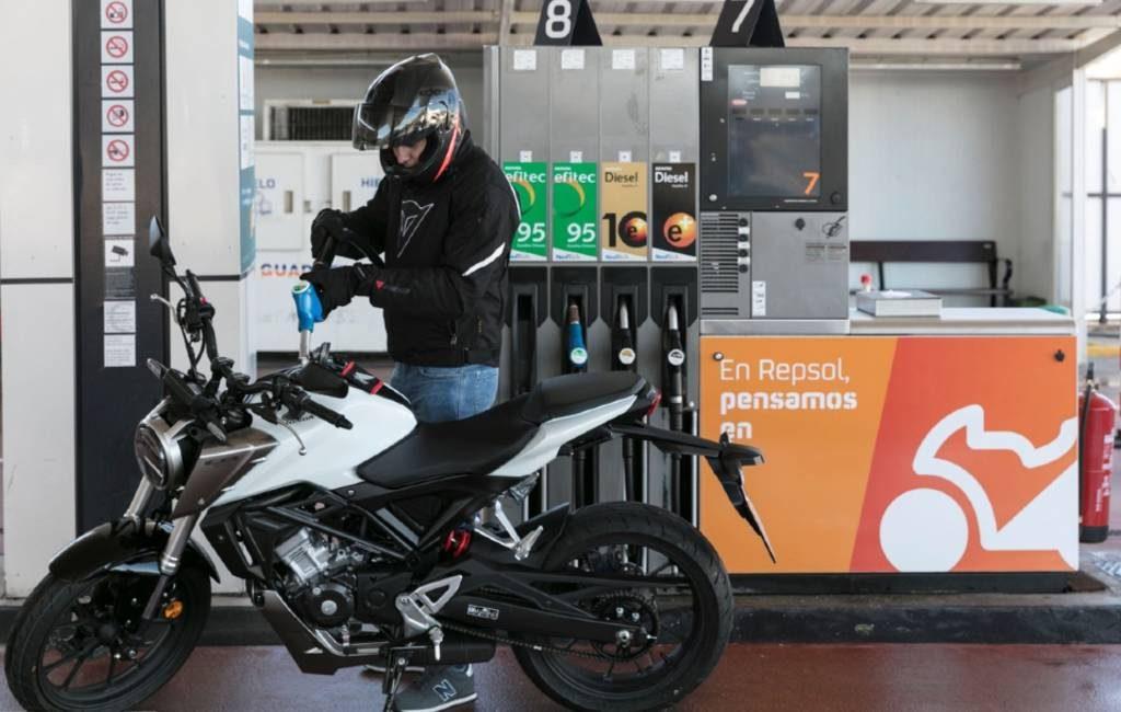 Repsol opent speciale tankstations voor motorrijders in Spanje