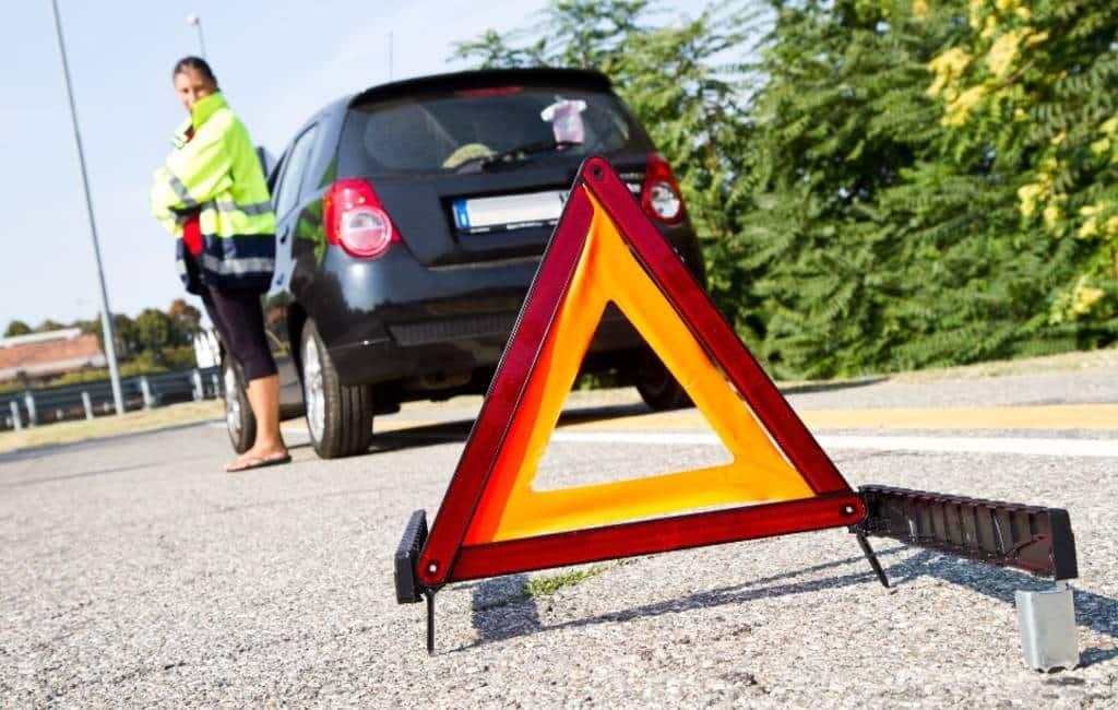 Spanje wil gevarendriehoeken vervangen voor lichtgevende elementen