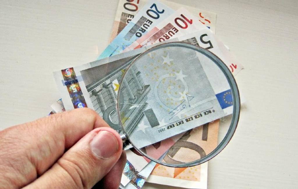 Politie waarschuwt voor valse maar legale 5 en 10 eurobiljetten in Spanje