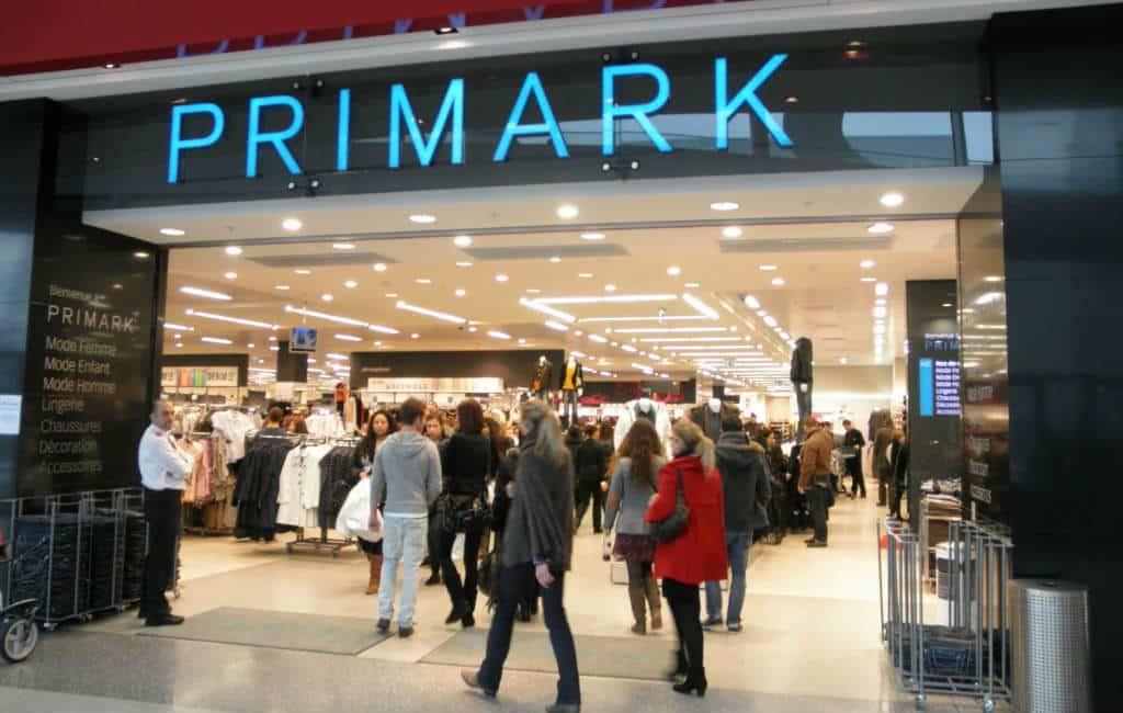 Primark Spanje voert minimumsalaris van 1.000 euro in