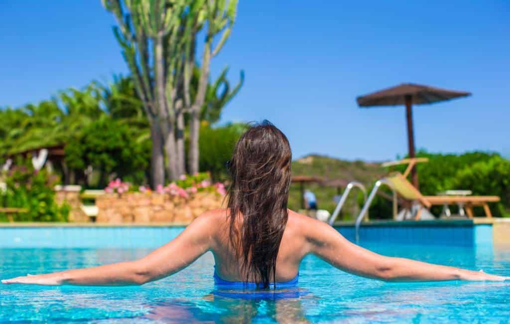 Topless in openbare zwembaden Barcelona toegestaan