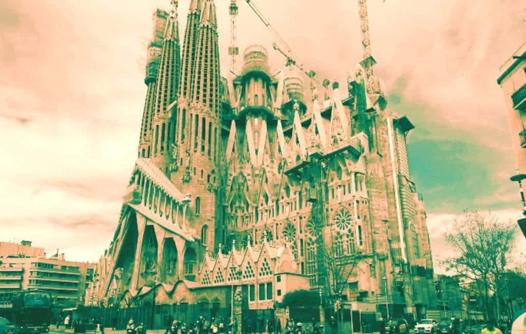 Sagrada Familia vraagt na 134 jaar bouwvergunning aan in Barcelona