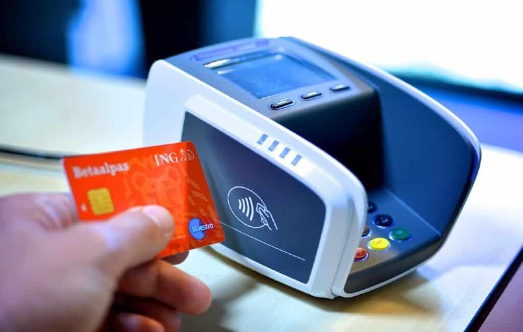 Contactloos tot 20 euro betalen met de pincode in Spanje