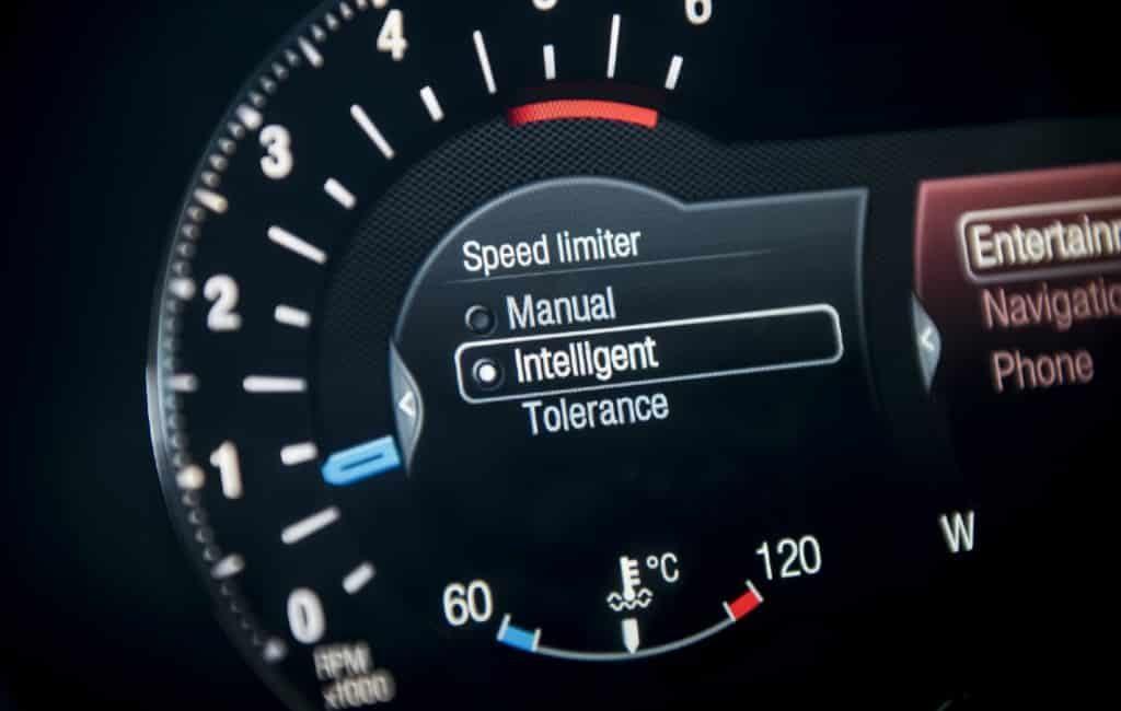 Snelheidsbegrenzers in Spaanse auto's vanaf 2022