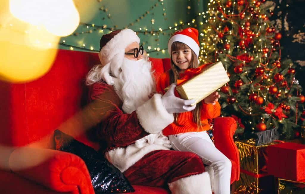 Vechten om de Kerstman te zien in Alicante