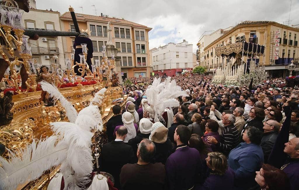 De Semana Santa en Feria de Abril in Andalusië en het coronavirus