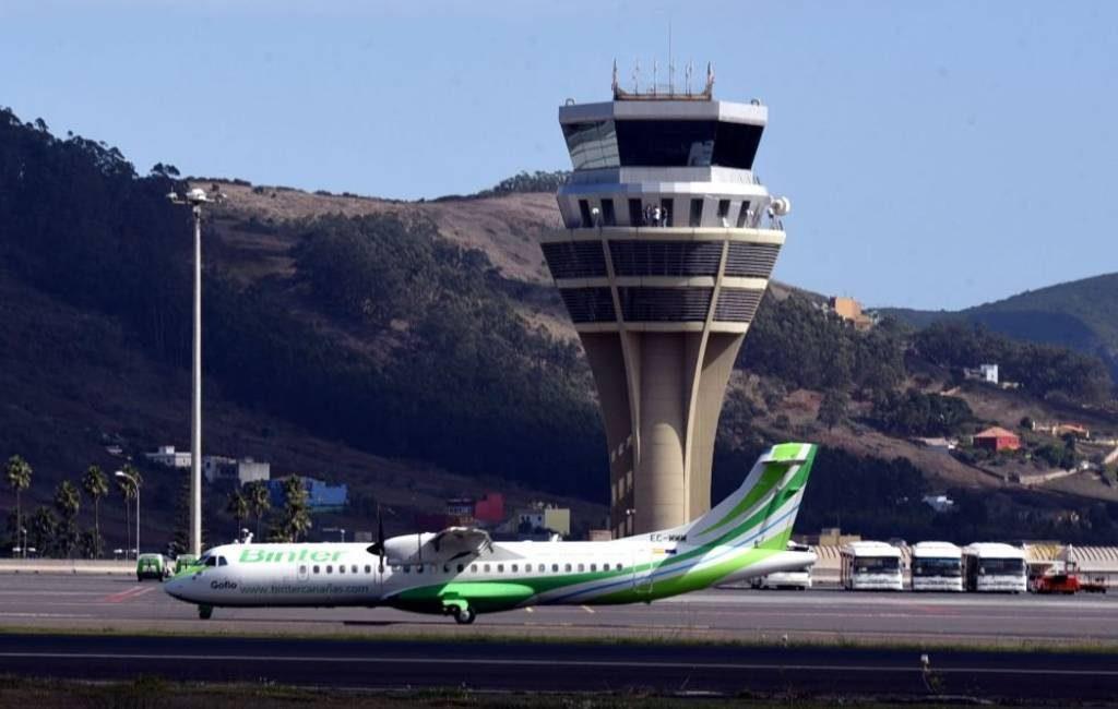Vliegtuigen op Tenerife moeten uitwijken vanwege honden op landingsbaan