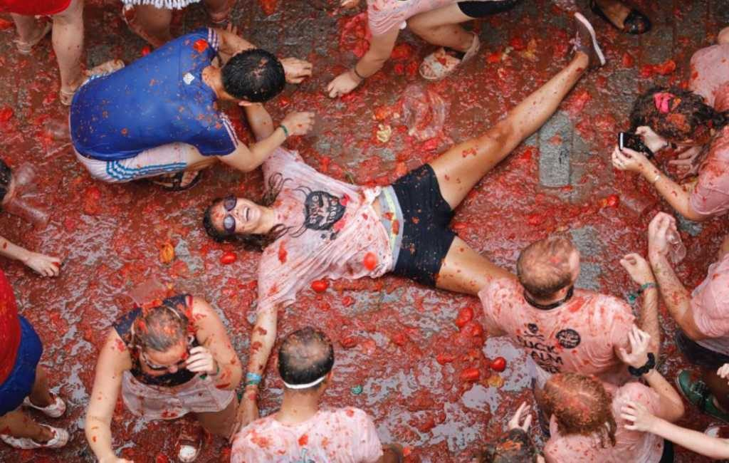 Tomaten-gooi-feest La Tomatina in de regio Valencia