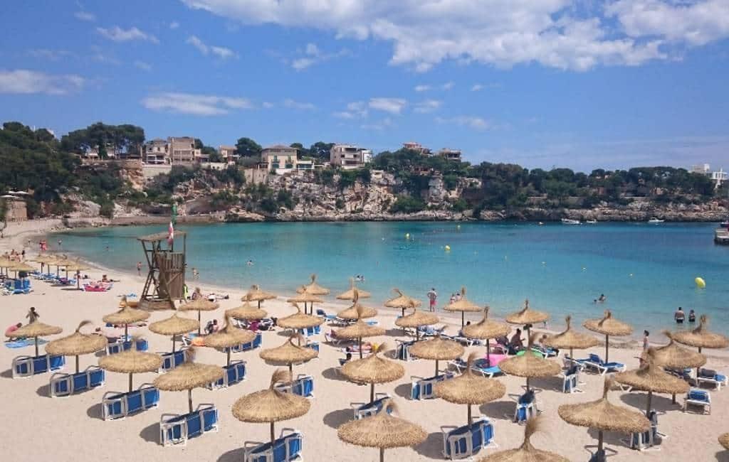 Vraag voor stranden op de Balearen zonder topless en nudisme