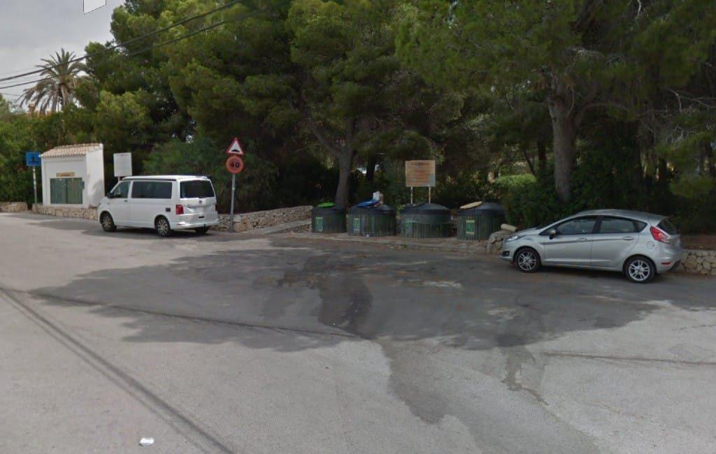 Politie onderzoekt dode vrouw in een afvalcontainer in Moraira