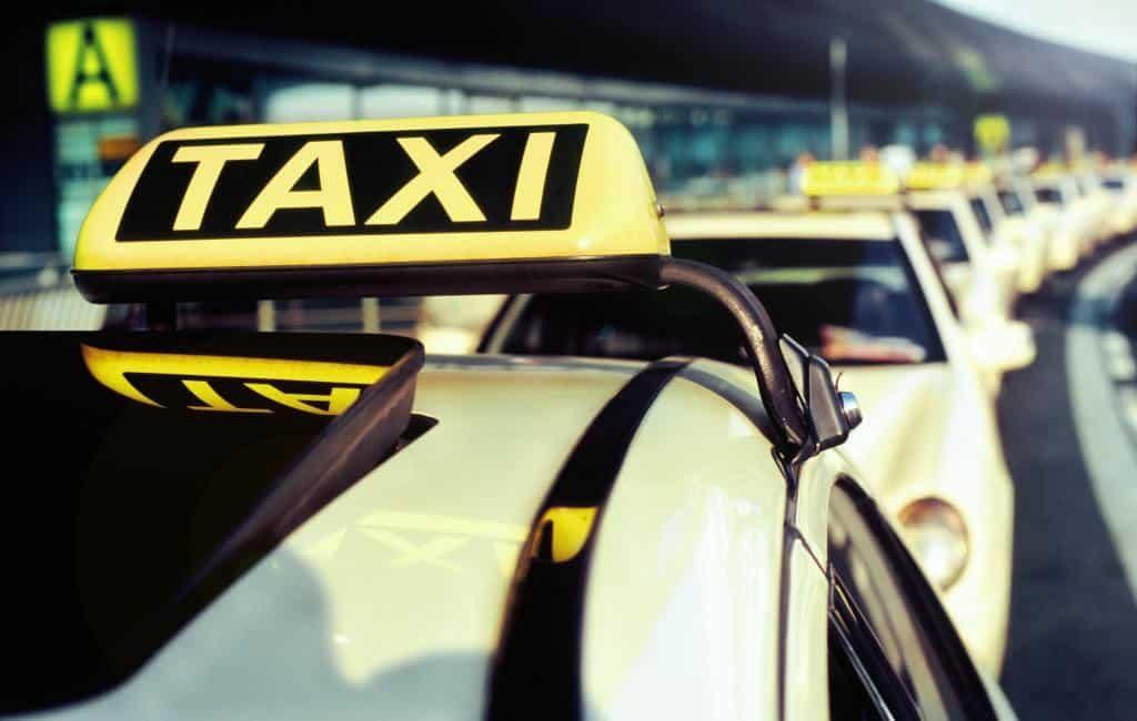 Airport taxi tarieven Spaanse vliegvelden op rij