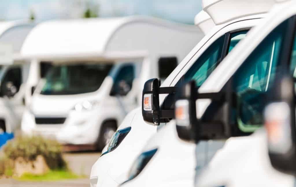 Steeds meer geparkeerde campers in Palma de Mallorca
