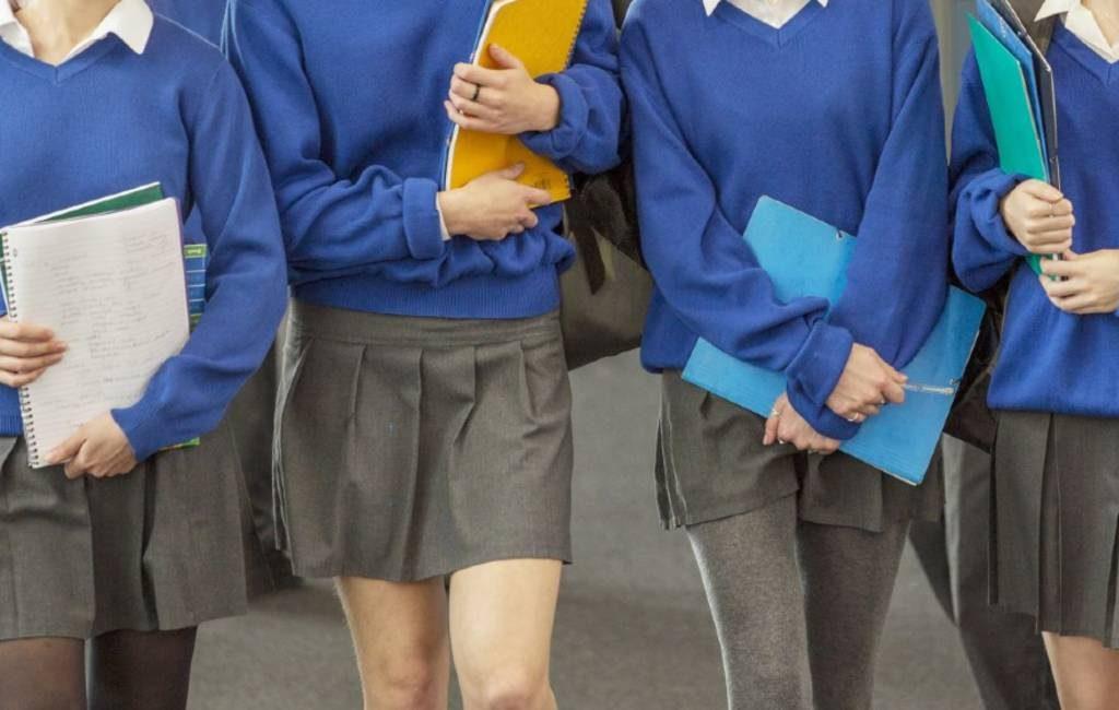 Wel of geen rokken bij schooluniformen in Spanje