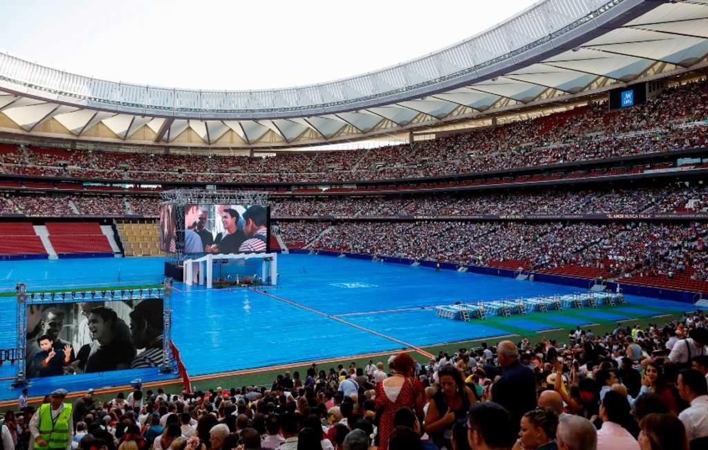 52.000 Jehovah's Getuigen in een voetbalstadion in Madrid