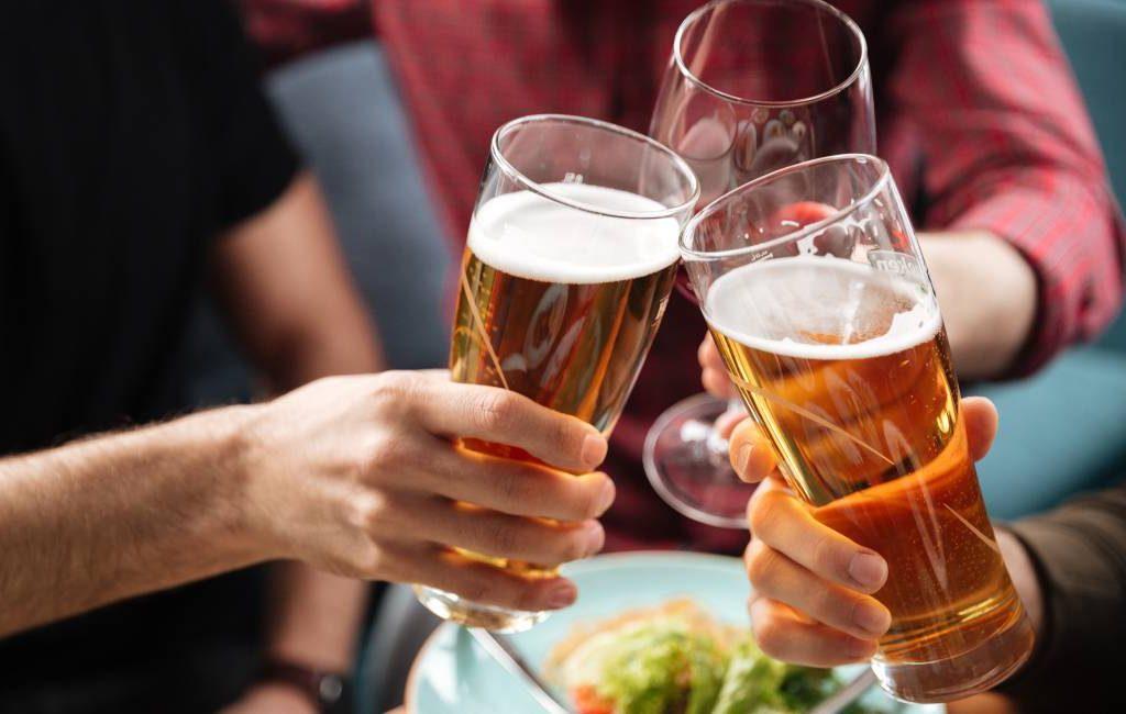 Spanje is het tweede EU-land waar het vaakst regelmatig alcohol gedronken wordt