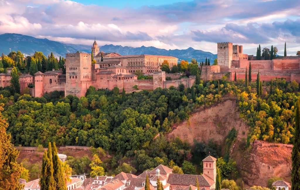 Voor welke vakantiebestemmingen kiezen de inwoners van Spanje deze zomer?