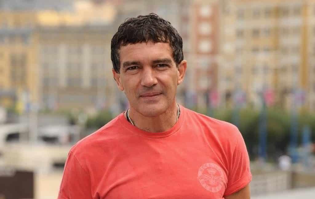 Acteur Antonio Banderas op zijn verjaardag positief getest op COVID-19