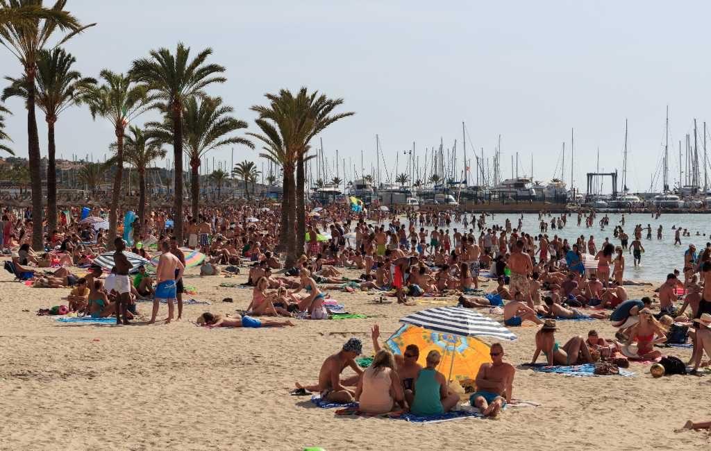 Honderden studenten met corona-besmetting teruggekeerd na eindexamen vakantie op Mallorca