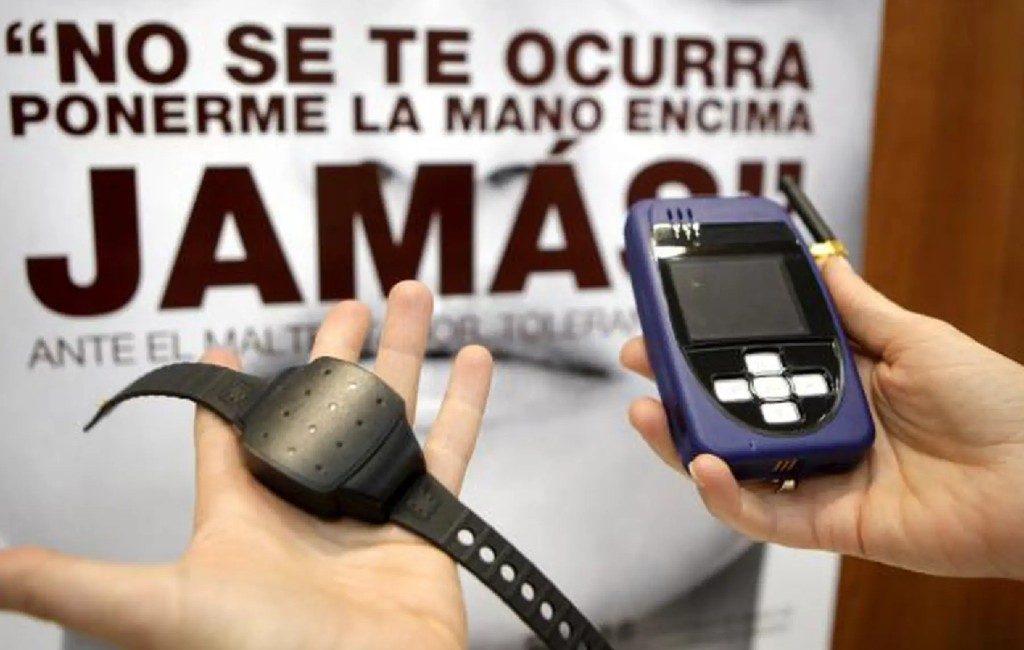 2.500 daders partnergeweld worden met elektronische armbanden gecontroleerd in Spanje