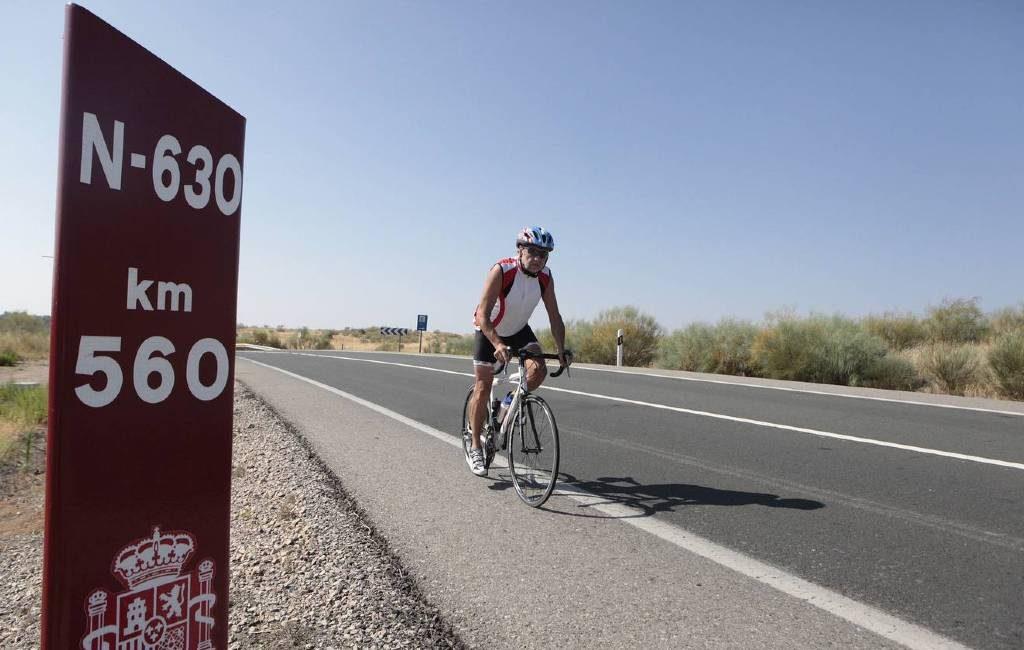 Mag je op de autoweg of snelweg fietsen in Spanje?