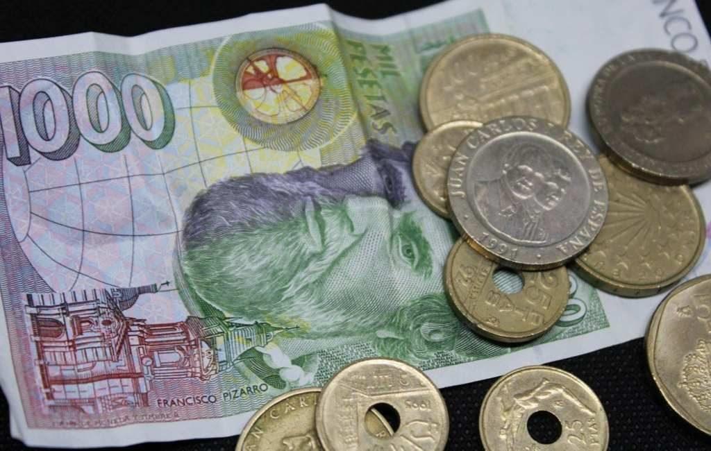 Spanjaarden hebben nog voor 1,6 miljard euro oude Peseta's in huis