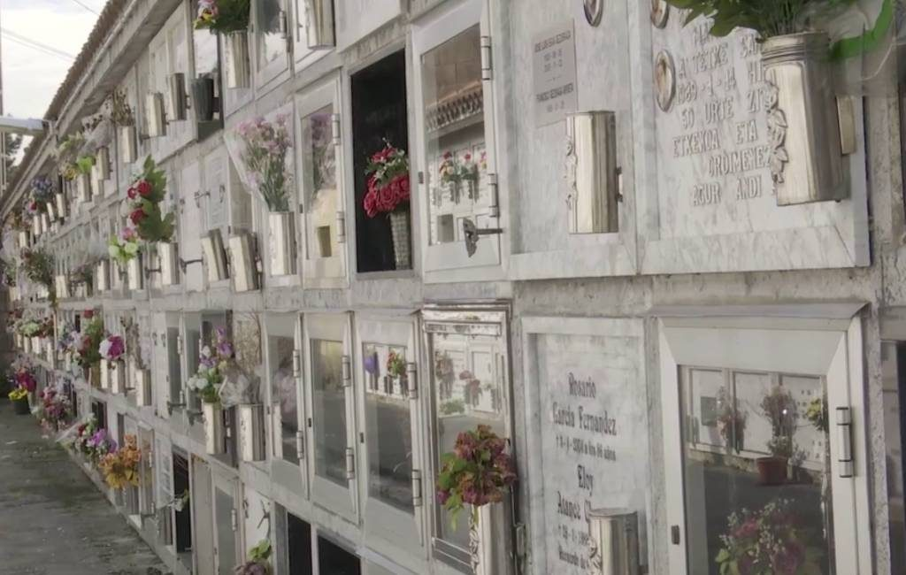 300 koperen en bronzen vazen gestolen op begraafplaats Baskenland