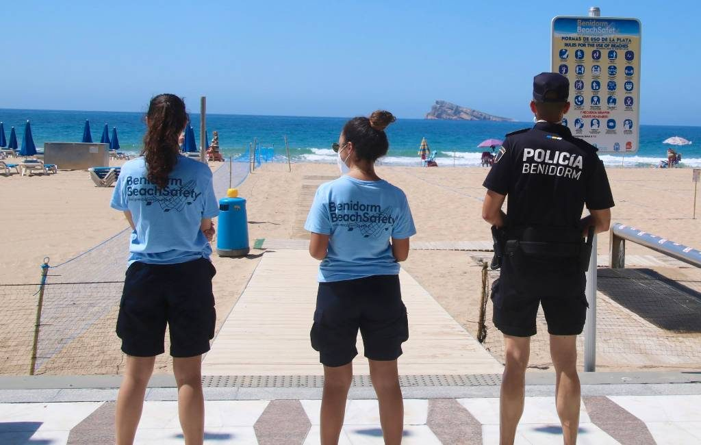 Met reservering naar het Levante strand van Benidorm