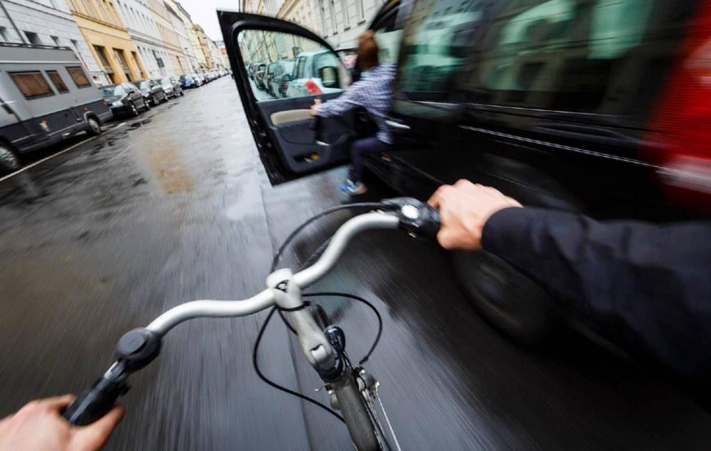 Veilige manier van een autodeur openen nu ook in Spanje 'a la holandesa'