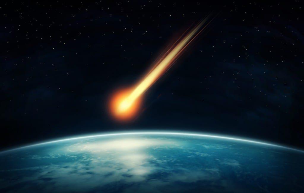 Heldere bolide/meteoor met lichtspoor gezien op Ibiza, Mallorca en Valencia regio