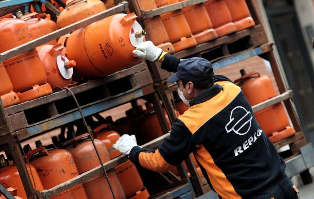Oranje gekleurde butaangasflessen worden weer iets duurder in Spanje