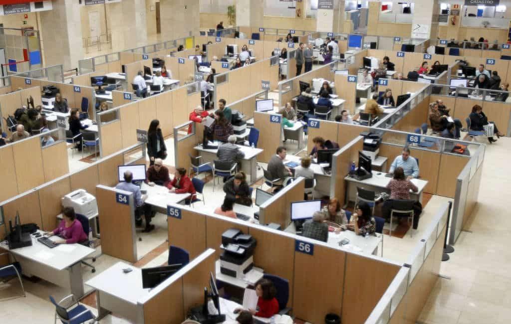 Spanje heeft bijna 2,6 miljoen ambtenaren