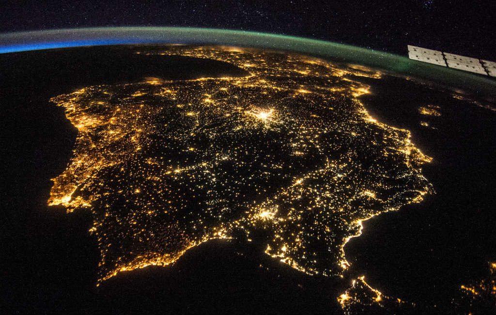 Spain by night gefilmd vanuit het ruimtestation