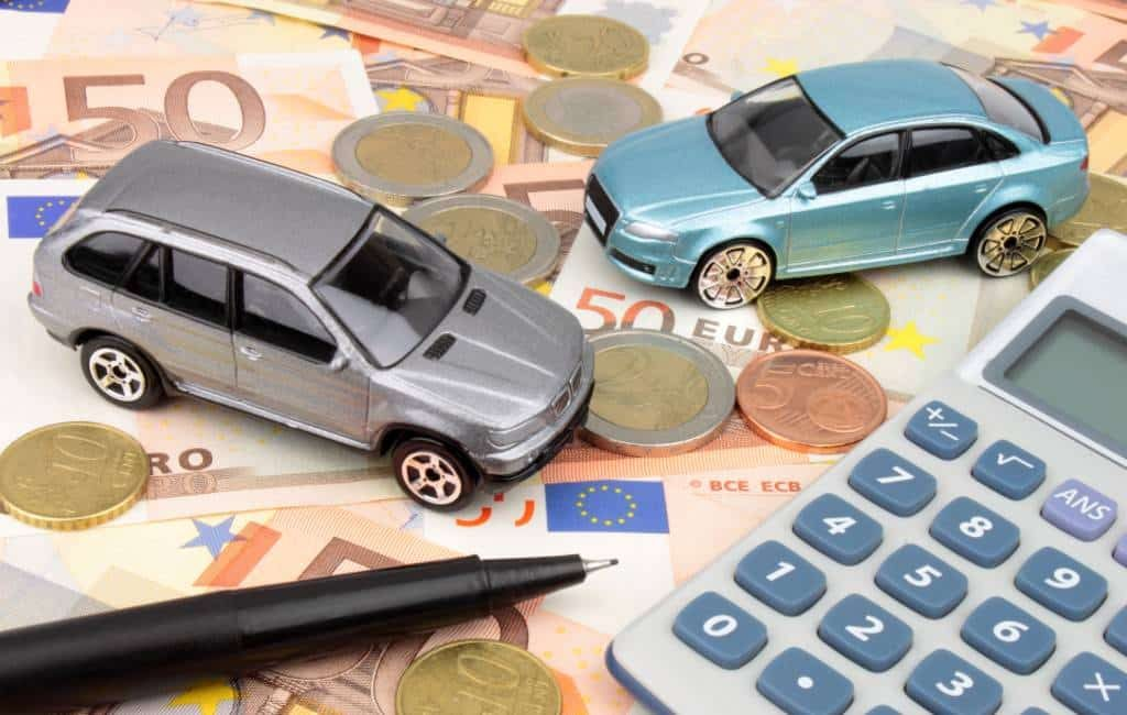 Spaanse regering onderzoekt verhoging autobelasting