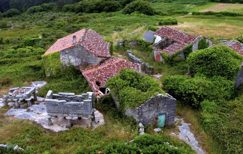 200.000 euro voor een magisch dorpje met zeezicht in Galicië