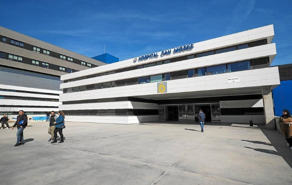 Ziekenhuis Ibiza propvol met Covid-patiënten zonder plaats op de IC