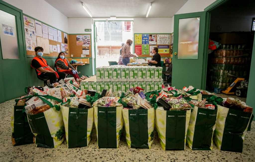 Half miljoen Spanjaarden hebben tijdens de corona-crisis voor het eerst hulp gevraagd bij Caritas