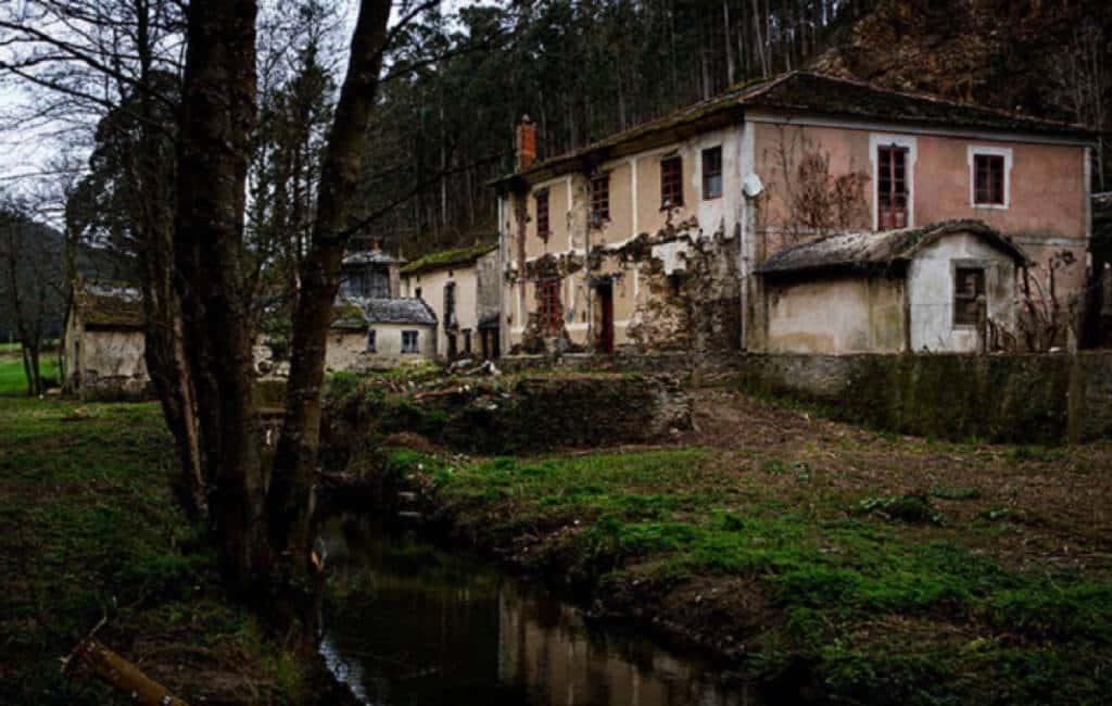 Honderden verlaten dorpen in Spanje te koop