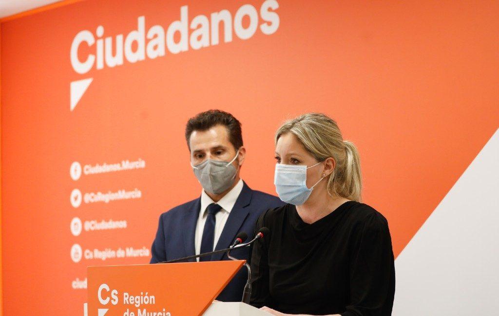 Motie van wantrouwen van coalitiepartner C's tegen de PP-partij in Murcia regio vanwege 'vacunagate'