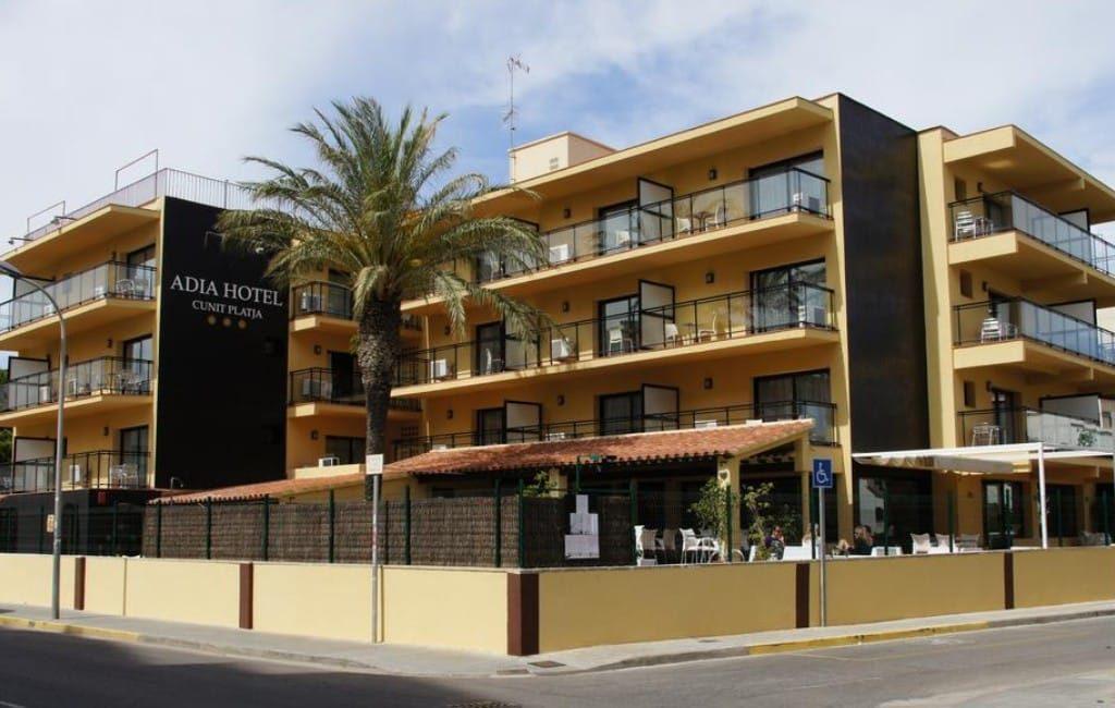 Hotel Adia, Cunit