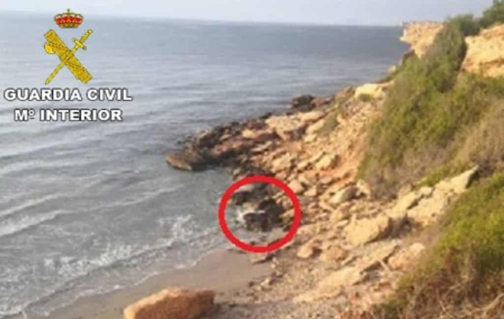 Verdwenen 86-jarige man gered onderaan klif bij Orihuela Costa