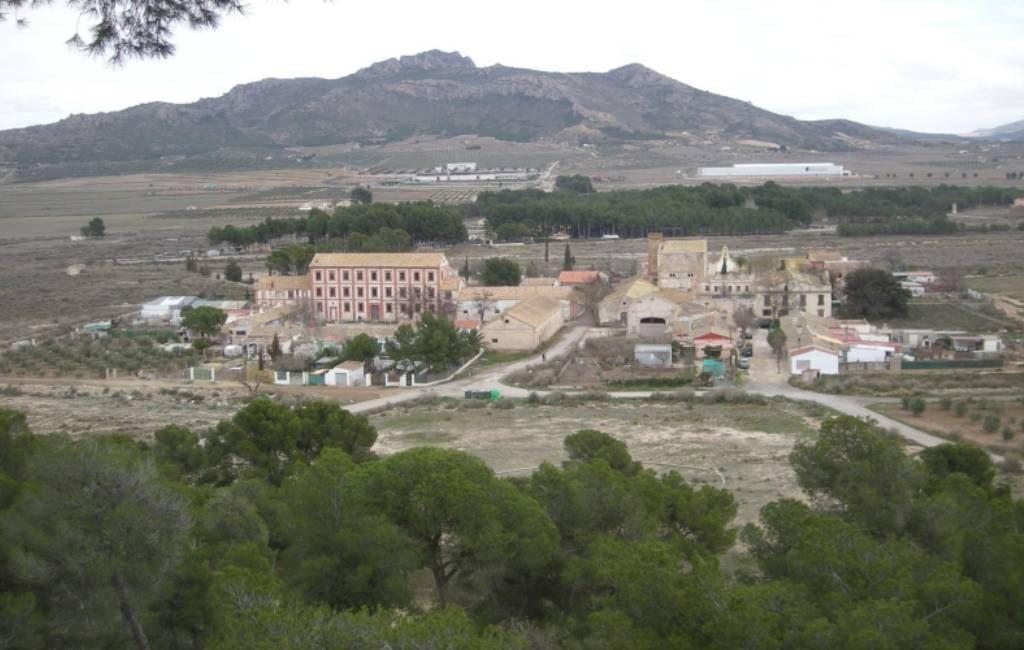 Een dorp met 40 huizen in Alicante via Wallapop te koop