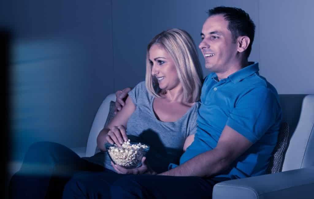 Het dilemma van de Spaanse televisie en de prime time shows: slapen of tv kijken