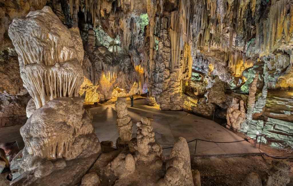 60 jaar geleden ontdekten vijf jongens de grotten van Nerja