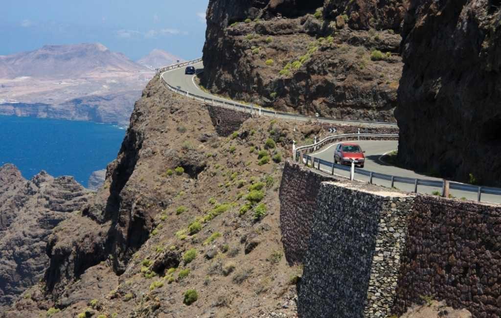 De gevaarlijkste weg met 365 bochten van Spanje
