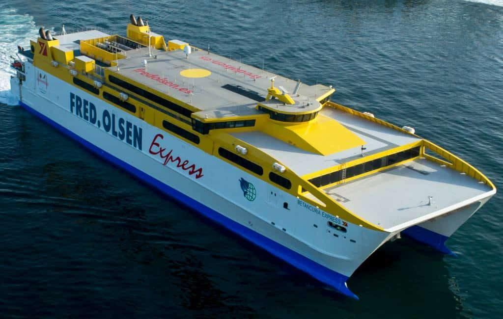 Met de grootste catamaran in 4 uur tijd van Gran Canaria naar Lanzarote
