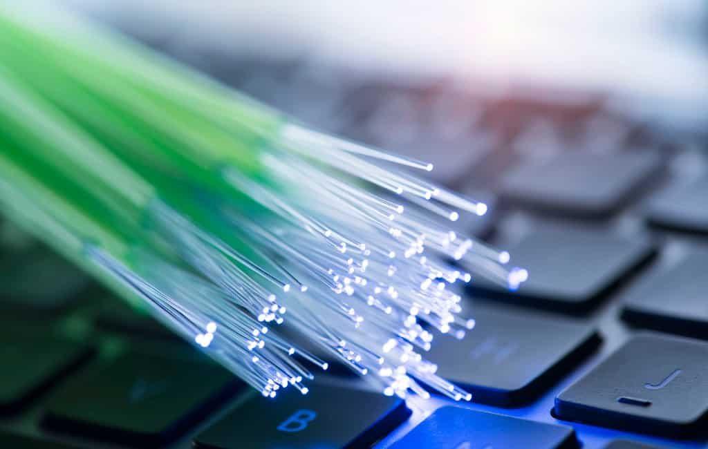Telefónica beloofd glasvezel internet in heel Spanje voor 2025