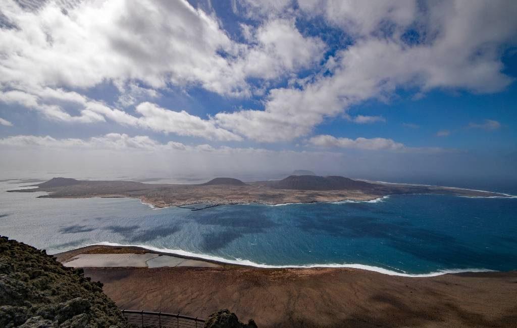 Catalaanse toerist eerste corona besmetting op het eiland La Graciosa